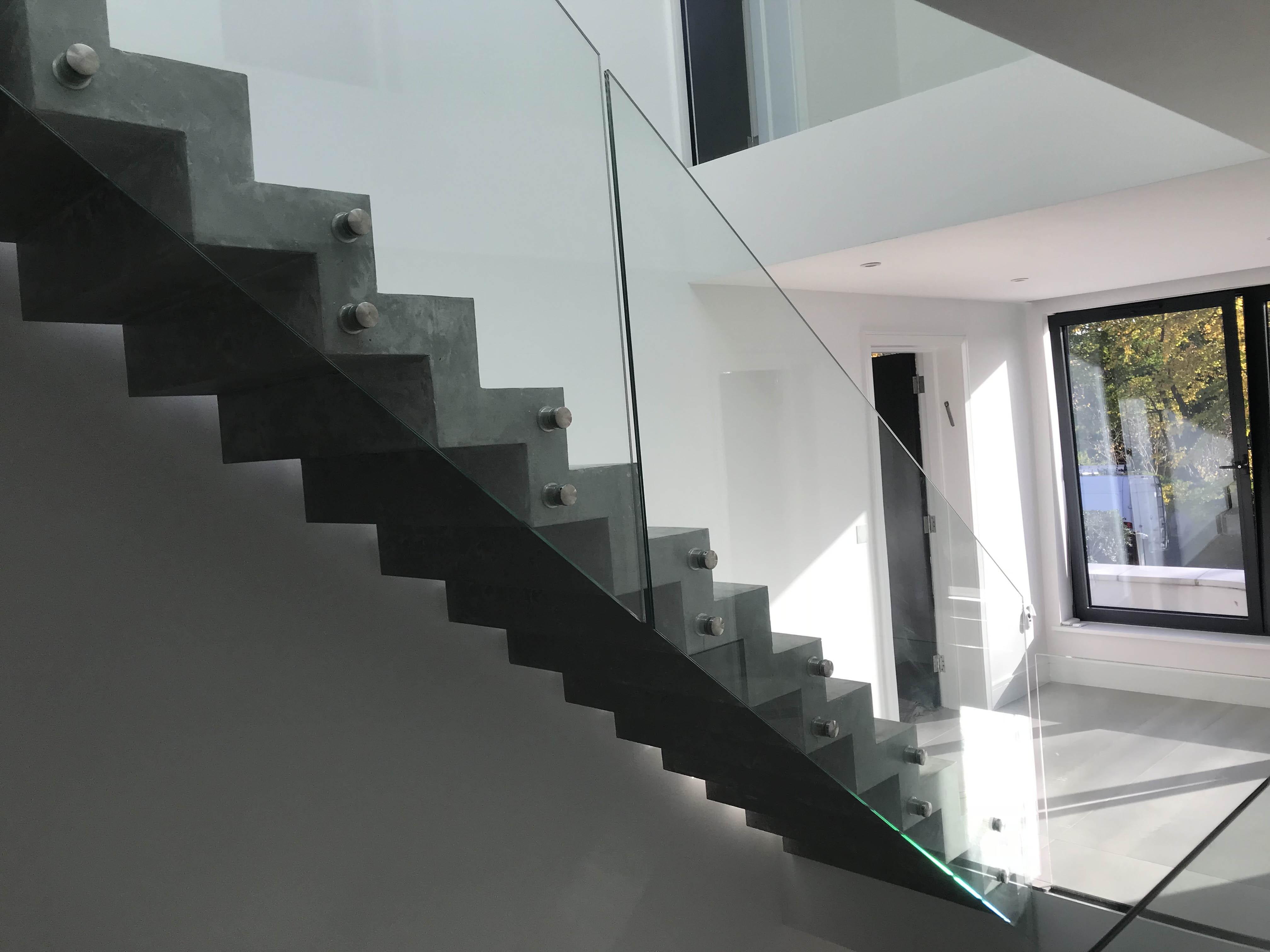 glass balustrades in stevenage st albans stevenage. Black Bedroom Furniture Sets. Home Design Ideas